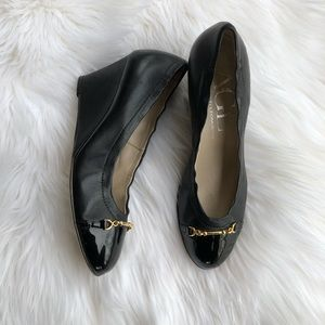 [AGL] Black with Gold Buckle Wedge Pump's - 6.5